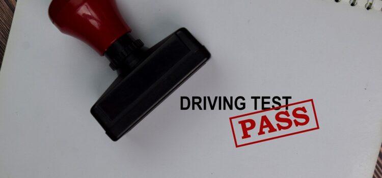 Ile czasu jest ważny zdany egzamin teoretyczny naprawo jazdy?