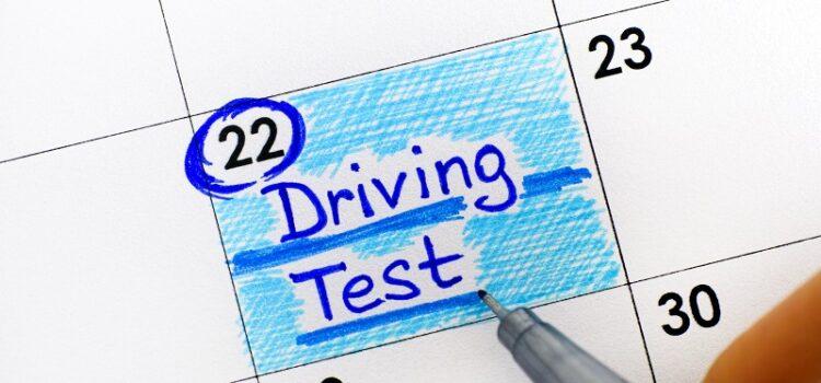 Jak przygotować się dotestów naprawo jazdy?